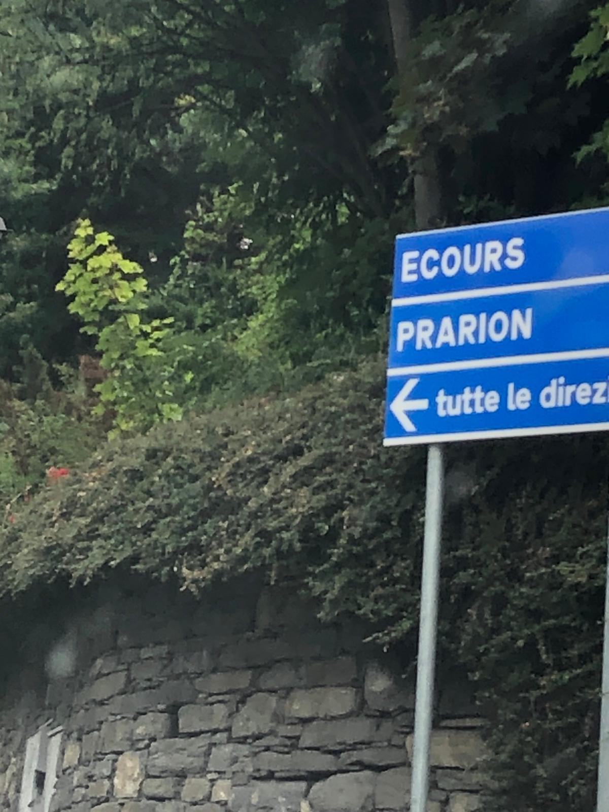 """3 - Andare a Sinistra, seguire il cartello """"Tutte le Direzioni"""""""